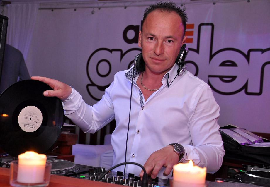 Budapest Retro DJ